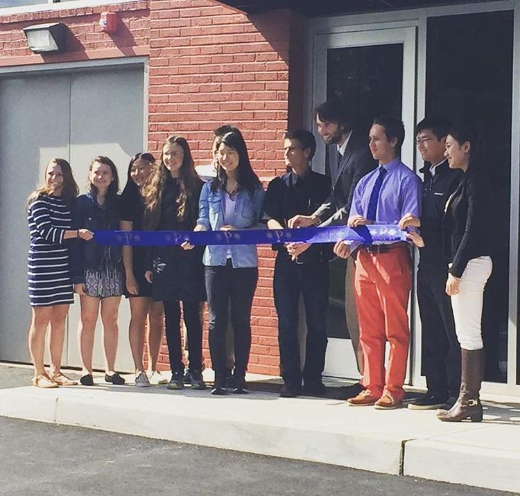 Dean+Kamen+cutting+the+ribbon+to+%0Athe+new+digital+Fabrication+Lab+with+%0Aa+select+group+of+students+and+the+robotics+teacher%2C+Scott+Meredith