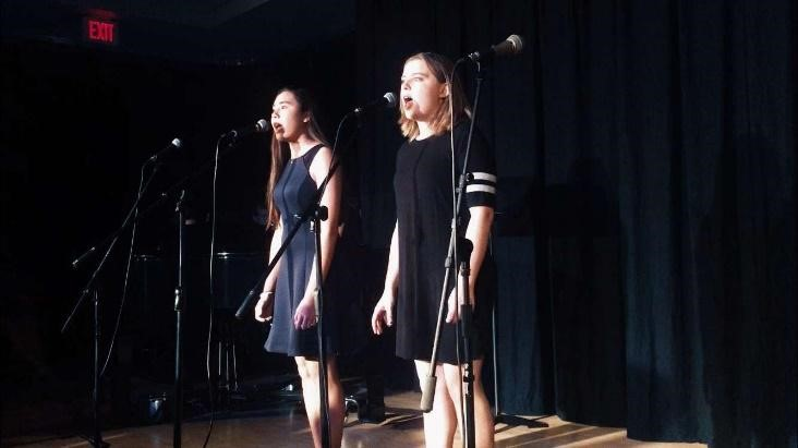 Caroline+Coudert-Morris+%E2%80%9920+and+Hannah+Keaton+%E2%80%9920+performing+a+duet+%0A